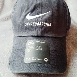 NIKE Skateboarding dad hat